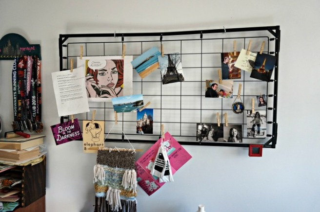 Photo Hanging Grid